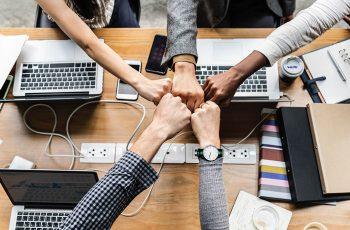 Como promover a conexão da operação com a estrutura estratégica da empresa?